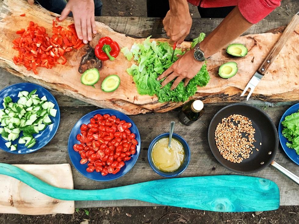 Mangiare in vacanza e a casa: le ricette per una dieta sana e gustosa