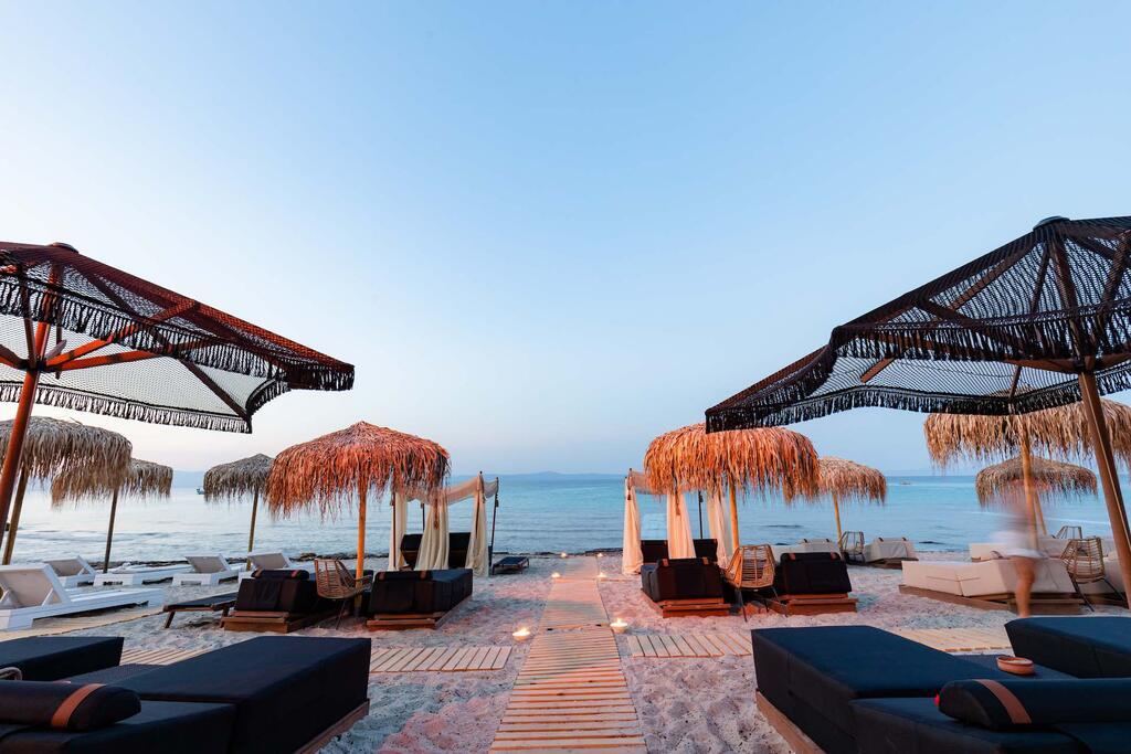 Afytos, Limna Beach Luxury